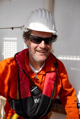 A. (bukovo) Tags: dignityi barco boat sea work marinero man msf tripulacin crew
