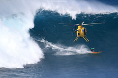 IMG_3361 copy (Aaron Lynton) Tags: surfing lyntonproductions canon 7d maui hawaii surf peahi jaws wsl big wave xxl