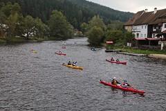 Race Day on the Vltava River 05 (smilla4) Tags: paddling race vltavariver moldau houses czechrepublic rozmberknadvltavou