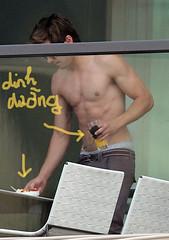 Zac Efron (bin07) Tags: shirtless sunglasses underwear candid balcony sydney australia halflength brownpants zacefron saggingpants
