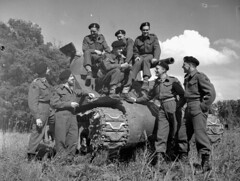 "Personnel with the Sherman tank ""Bomb&quo..."