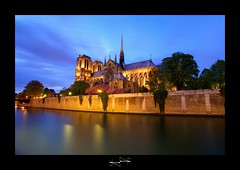 Cathdrale Notre Dame de Paris a l'heure bleu by D.F.N. ('^_^ D.F.N. Damail ^_^') Tags: voyage city travel blue light sunset favorite paris france color art love monument seine architecture canon reflections pose word de french geotagged fun photography photo reflex europe long flickr gallery photographie photos mark picture award best fave bleu most lumiere views romantic 5d capitale notre dame iledefrance reflets franais hdr couleur clounds notredamedeparis clound francais artiste photographe 1635 longue 1635mm favoris photomatix poselongue poseb dfn damail borderfx 5dmarkii wwwdamailfr