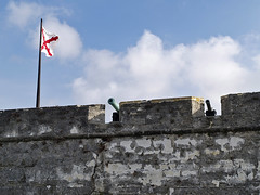 Castillo de San Marcos 04-26-2011 2 Cannons and Florida Flag (David441491) Tags: saint de san florida marcos augustine castillo
