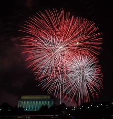 IMG_1804-July 4th 2013 Washington DC-AnthonyBee (Anthony (Tony) Bee) Tags: night washingtondc lowlight fireworks july4th singhray varinduo