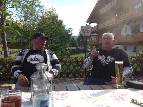 2013-05 Kawazuki week Oostenrijk (50a) Op het terras van hotel Simonhof