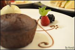 CRIOLLO Cafe (Norah_Studio) Tags: red food brown white green colors beautiful cake fruit dessert criollo cafe nikon sweet chocolate delicious blueberry icecream vanilla souffle chocolatesouffle d5100 nikond5100 d5100nikon