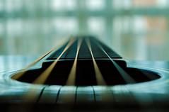 80/365. Vibraciones (jarancibia) Tags: music guitar strings
