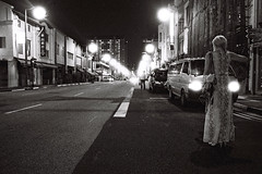 Waiting (OzGFK) Tags: street people film night analog singapore asia chinatown nikkor nikonfm3a tanjongpagar