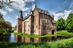 Castle Doorwerth (Dannis van der Heiden) Tags: castle netherlands landschap doorwerth kasteel gelderland gelders fonteinallee