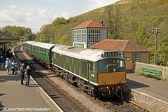 Class 25 No. D5185 draws into Corfe Castle on a driver experiance trip on the 17th May 2015. (Jack Haynes Photography) Tags: castle class 25 dorset british corfe railways purbeck d5185
