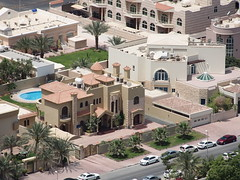 Houses near sheikh zayed road.
