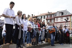 Baiona, Euskal Herria kantuz, 18 Baionan kantuz (baionankantuz) Tags: france 25 avril jeanclaude 2015 broca baionabayonne euskadipaysbasque baionankantuz