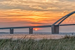 Fehmarnsundbrcke (Joachim Behnke) Tags: fehmarnsund fehmarnsundbrcke sonnenuntergang wasser ostsee nikond5300 himmel sonne sunset outdoor