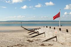 Red flag | West Wittering beach | October 2016-31 (Paul Dykes) Tags: westwittering beach coast coastal seaside uk england flag isleofwight groyne