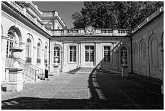 Muse Calvet, Avignon (Pascal.M (bong.13)) Tags: muse calvet avignon architecture ombre lumire noiretblanc nikon blackandwhite vaucluse france fenetres provence people pierre