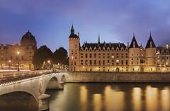 Pont au change et Conciergerie - Paris (XavR-photo) Tags: paris seine pont au change reflection