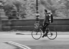 Look Ma, No Hands (Gavin Ross) Tags: glasgow kelvinway bike cycle nohands
