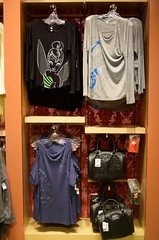 Disneyland Visit 2016-11-06 - Downtown Disney - World of Disney - Merchandise - Women's Tees (drj1828) Tags: us disneyland dlr visit 2016 downtowndisney worldofdisney merchandise