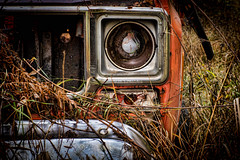 Fogotten........ (Kevin Povenz Thanks for the 2,800,000 views) Tags: 2016 november kevinpovenz westmichigan michigan truck old rusty broken auto automobile orange headlight