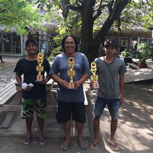 The winners of the Oceans 5 Dive chess tournament! #chess #padi #oceans5dive #giliair #indonesia #sport #instadaily #instagood #likeforfollow #like4follow
