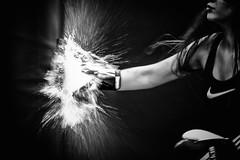 Frauenpower (Roman Achrainer) Tags: frauenpower frau boxen boxsack wasser fontane spoet achrainer