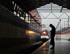 La espera...llegando a su fin (yanngemini) Tags: madrid estacin prncipe po andn espera solo street waiting