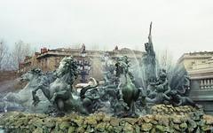 Bordeaux - Fontaine des Girondins (Fontaines de Rome) Tags: bordeaux fontaine girondins triomphe rpublique achille dumiltre flix charpentier gustave debrie