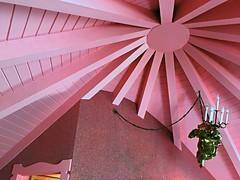 Madonna Inn Karin Room Pink Ceiling Cherub (Lynn Friedman) Tags: sanluisobispo madonnainn kitsch interiordesign inside nobody pink gold cherub 93405