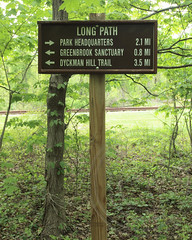 Long Path Trail Marker, Palisades Interstate Park, Alpine, New Jersey (jag9889) Tags: park landscape newjersey hiking nj trail alpine pip marker hudsonriver palisades palisadesinterstatepark bergencounty longpath 2013 shoretrail jag9889