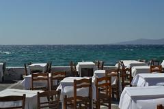 Mikonos (nonsolopentax) Tags: mare grecia sedie ristorante vento tavoli