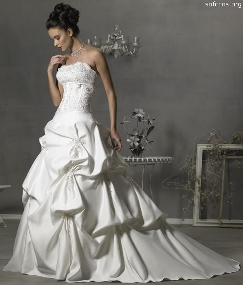 Vestidos de noiva com babados