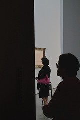 YouAndMe_05 (Oliver Brux) Tags: people glass museum architecture essen watching indoor visitor museumfolkwang