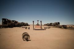 Il cimitero dei treni (EleThinkTank) Tags: train bolivia viaggio sudamerica cimitero uyuni nozze treni traincemetery cimiterodeitreni perresponsabile viaggioresponsabile