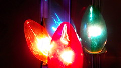 c9 flashers in action (brown_dan72) Tags: christmas vintage bulbs flasher c9