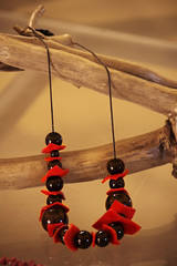 collana_pelle e pietre_black&red