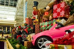 Easton Town Center (andiwolfe) Tags: nightphotography columbus ohio christmaslights photowalk christmasdecoration shoppingcenter holidaylights holidaydecoration eastontowncenter midwestphotoexchange andiwolfephotography