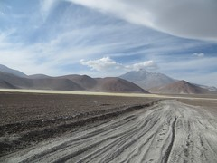 The sandy road near Laguna Socompa