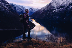 Portrait of a Hiker (Atle Rnningen) Tags: travel nature norway landscape fujifilm rdalstangen vscofilm fujifilmx100s vision:sunset=0621 vision:mountain=0653 vision:clouds=0634 vision:outdoor=0938 vision:sky=0921