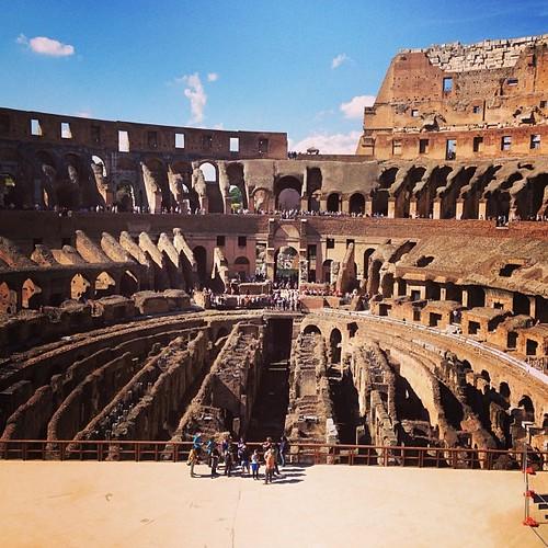 Олимпийский стадион в #Сочи. Ой, нет. #италия #рим #колизей #архив #italy #rome #roma #colosseum #coliseum #colosseo