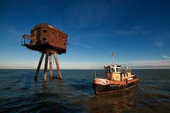 "Boat for scale (edwardhorsford) Tags: world trip red sea guy water metal thames boat rust war industrial fort aircraft military air navy ruin visit abandonded sealand ww2 second sands defence channel mersey forts charter maunsell antiaircraft raids estury u6 ""guy redsands maunsell"""