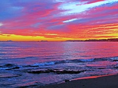 El Mediterrneo iluminado (Antonio Chac) Tags: sunset espaa art night canon atardecer photography mar spain europe arte cloudy photos andalucia cielo fotos nubes puestadesol mlaga marbella national