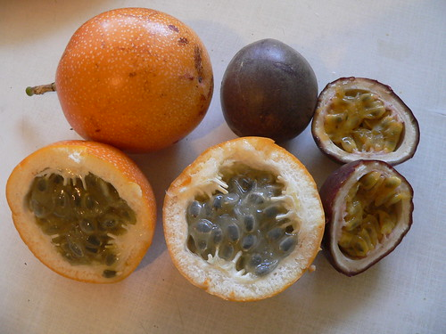 Passiflora ligularis, Passiflora edulis