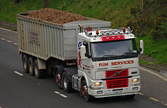 P J M Services of Ladybank Volvo FH12 L999COF (andyflyer) Tags: truck wagon volvo lorry artic haulage hgv roadtransport ladybank volvofh12 anglepark bulkhaulage pjmservices l999cof pjmservicesofladybank pjmhaulage