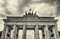 Brandenburger Tor (Smiley Man with a Hat) Tags: blackandwhite bw berlin germany deutschland spring gate tor brandenburg 2014 brandenburgtor