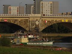 Dresden-0103_1 (pischty.hufnagel) Tags: dresden elbe dampfschiff dampfschifffahrt kurort rathen wende schaufelraddampfschiff schaufelraddampfer