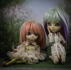 Sisters (twilitize) Tags: adorable adventure awesome beautiful beauty cool cutie cute canon canonphotography dolls doll dolly dollphotography darling girl girly girls good pullip pop popular pullips pullipphotography playtime photography