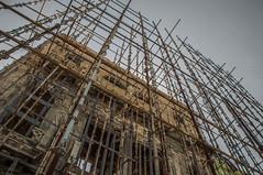 Eingerstet (Nihil Baxter007) Tags: gerst haus architecture architektur malecon house gebude havana habana kuba cuba scaffolding scafold framework skelett gantry skeleton