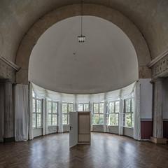 Open door (lars_uhlig) Tags: 2016 deutschland germany weimar schieshaus halle kuppel fenster windows denkmal heritage