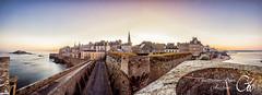 Premire lueur de Dcembre  Saint-Malo (guillaume_roger_aussant) Tags: saintmalo saint malo bretagne bzh breizh remparts wall tour tower bidouane ocan sea sun sunrise sunset chateau lueur aube