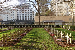 Carr Militaire @ Vaugirard Cemetery @ Paris (*_*) Tags: paris france europe city autumn fall 2016 saturday sunny december cimetiere cemetery vaugirard military french tomb soldier war carrmilitaire 75015 15 paris15